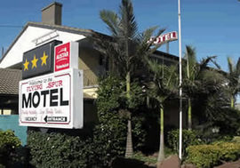 Flying Spur Motel - Accommodation Gold Coast