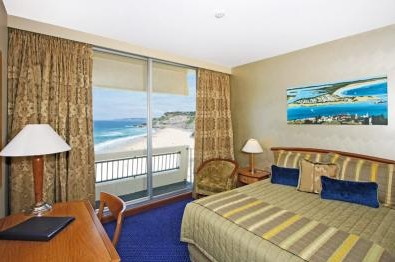 Quality Hotel Noahs on the Beach - Accommodation Gold Coast