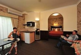 Highlander Motor Inn And Apartments - Accommodation Gold Coast