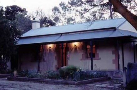 Walnut Cottage - Accommodation Gold Coast