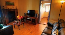 Apple Blossom Cottage - Accommodation Gold Coast