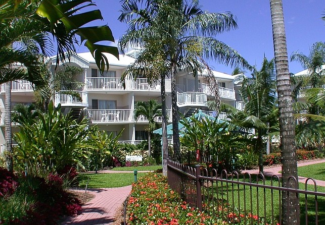 Australis Cairns Beach Resort - Accommodation Gold Coast