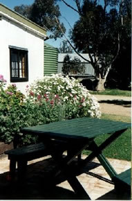 Dunalan Host Farm Cottage - Accommodation Gold Coast
