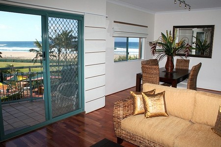 Currumbin Sands on the Beach - Accommodation Gold Coast