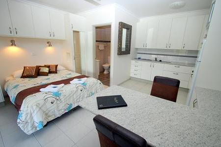 Coral Point Lodge - Accommodation Gold Coast