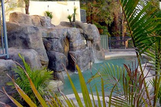 Crusoes Holiday Apartments - Accommodation Gold Coast