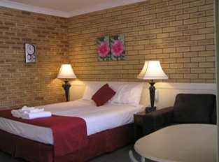 Blue Violet Motor Inn - Accommodation Gold Coast