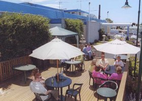 Top Of The Town Hotel - Accommodation Gold Coast