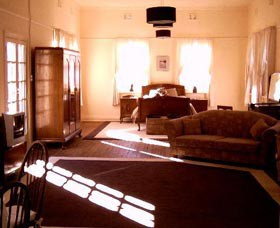 Old Parkes Convent - Accommodation Gold Coast