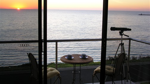 Clifftop Accommodation Portland Victoria - Accommodation Gold Coast