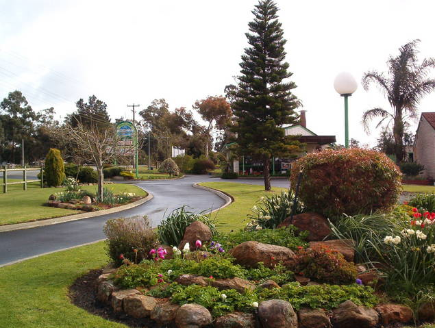 Mount Barker Valley Views Motel and Chalets - Accommodation Gold Coast