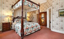 The Old George and Dragon Guesthouse - - Accommodation Gold Coast