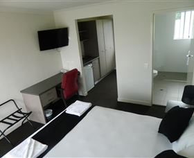 Dooleys Tavern and Motel Springsure - Accommodation Gold Coast
