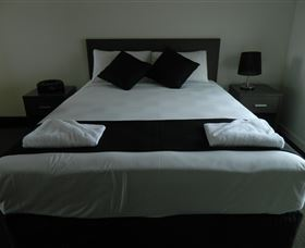 Dooleys Tavern and Motel Capella - Accommodation Gold Coast