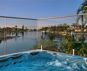 Sanctuary on Water Elite Holiday Home - Accommodation Gold Coast