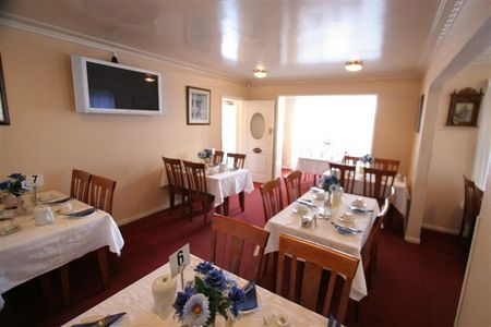 Blue  White Lodge - Accommodation Gold Coast