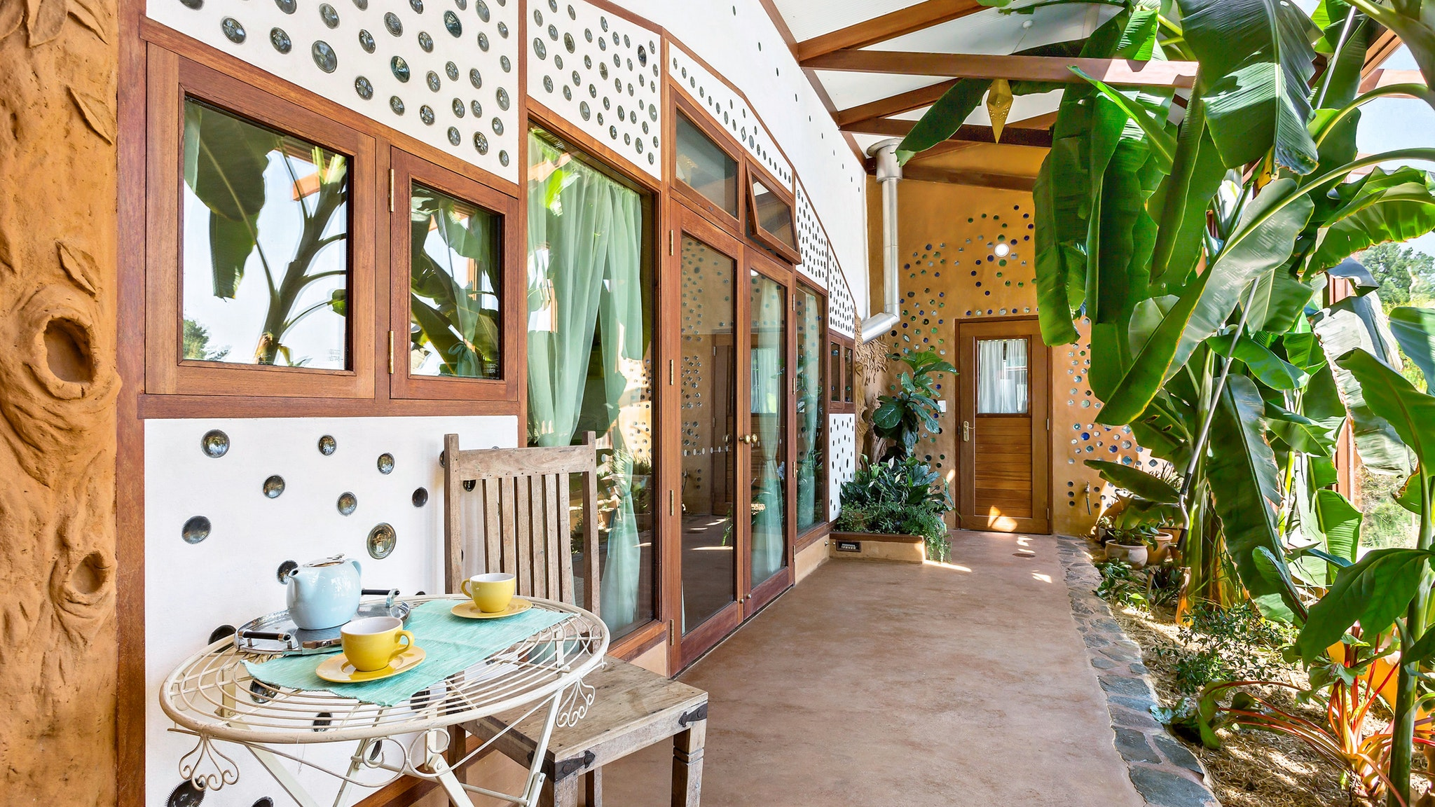 Earthship Ironbank - Accommodation Gold Coast