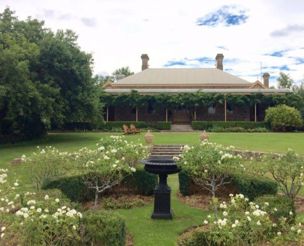 Clifton House and Gardens Farm Stay Accommodation - Accommodation Gold Coast