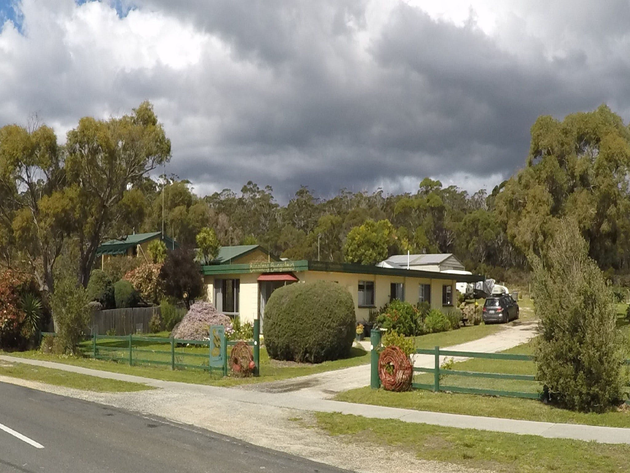 Binalong Bungalows - Accommodation Gold Coast