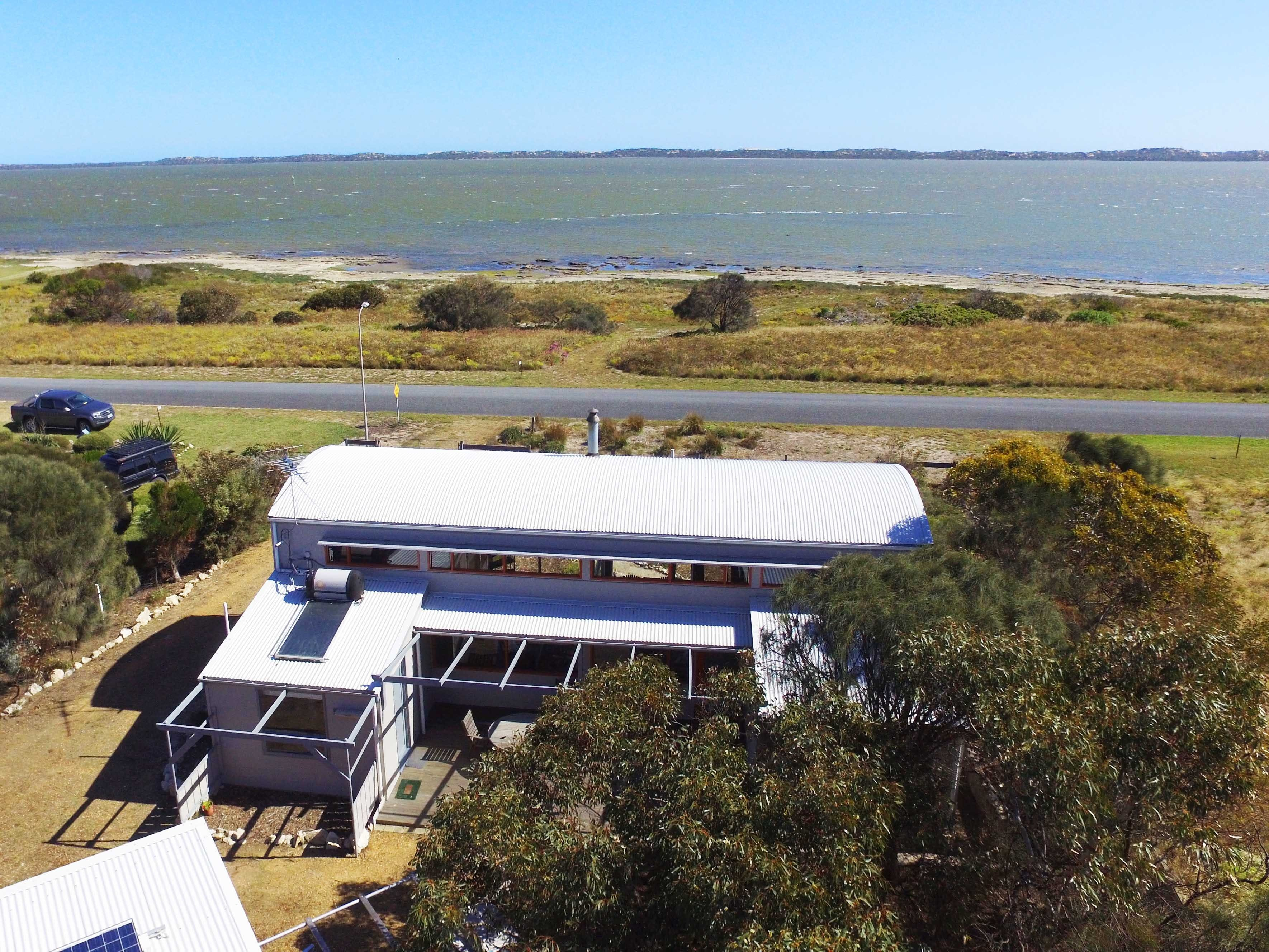 Coorong Aurora - Breathtaking Waterfront Escape - Accommodation Gold Coast
