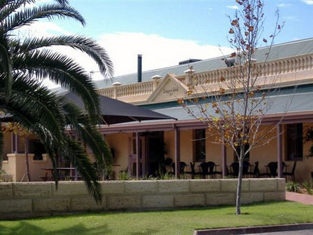Dongara Hotel Motel - Accommodation Gold Coast