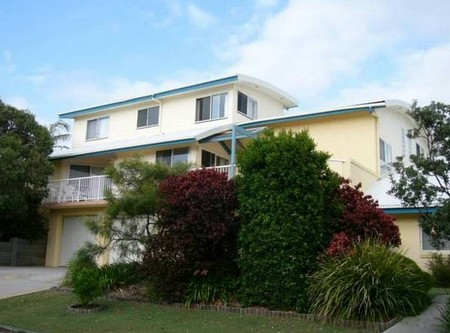 Angourie Waves - Accommodation Gold Coast