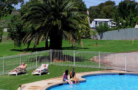 Swan Hill Holiday Park - Accommodation Gold Coast