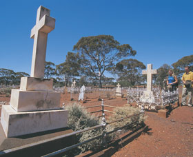 Coolgardie Cemetery - Accommodation Gold Coast
