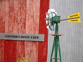 Clifford's Honey Farm - Accommodation Gold Coast