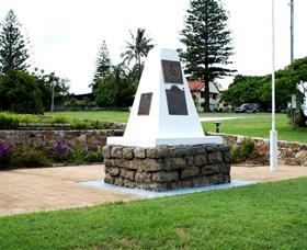 Dunwich War Memorial - Accommodation Gold Coast