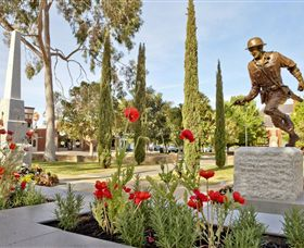 Private Robert Mactier Statue - Accommodation Gold Coast