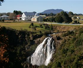 Waratah Falls - Accommodation Gold Coast