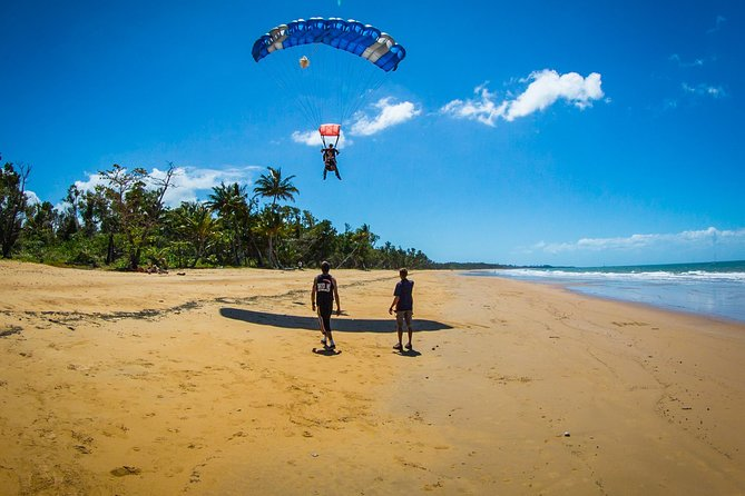 Beach Skydive from up to 15000ft over Mission Beach - Accommodation Gold Coast