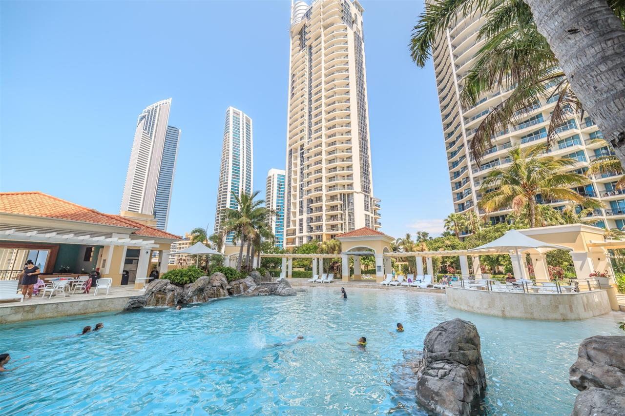 Towers of Chevron - Private Apartment Surfers Paradise