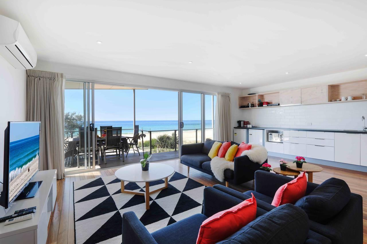 Sandbox Luxury Beach Front Apartments - Accommodation Gold Coast